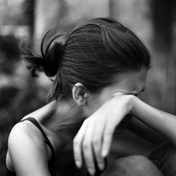 Cô gái què bị cưỡng bức, làm mẹ đơn thân bất đắc dĩ - Ảnh 1