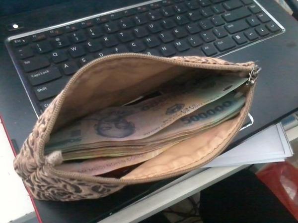 """Nếu đang đặt vật này trong ví, đừng hỏi vì sao bạn mãi nghèo """"rớt mùng tơi"""" - Ảnh 2"""