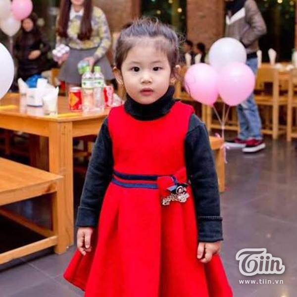 Hình ảnh đời thường đáng yêu của 'tiểu Lưu Diệc Phi' 4 tuổi - Ảnh 4