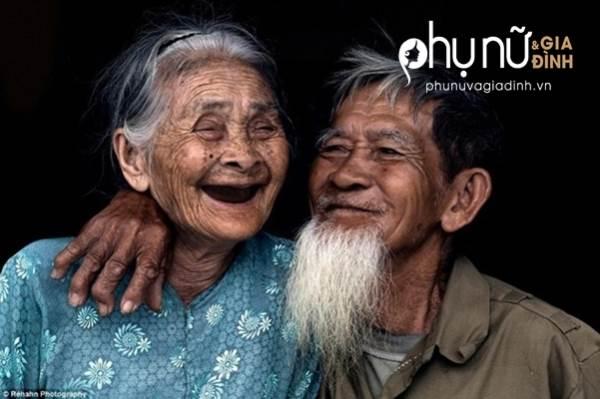 Hình ảnh 2 vợ chồng già sấy tóc cho nhau đã ngăn tôi làm điều dại dột khi không thể có con - Ảnh 3