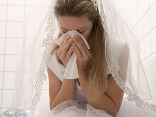 Đêm tân hôn, tôi đã phải nuốt nước mắt cởi váy cô dâu nhường lại chồng cho chị dâu của anh - Ảnh 2