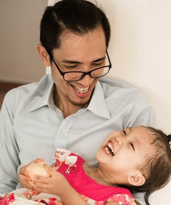 Những ông bố đơn thân đáng ngưỡng mộ nhất quả đất - Ảnh 4