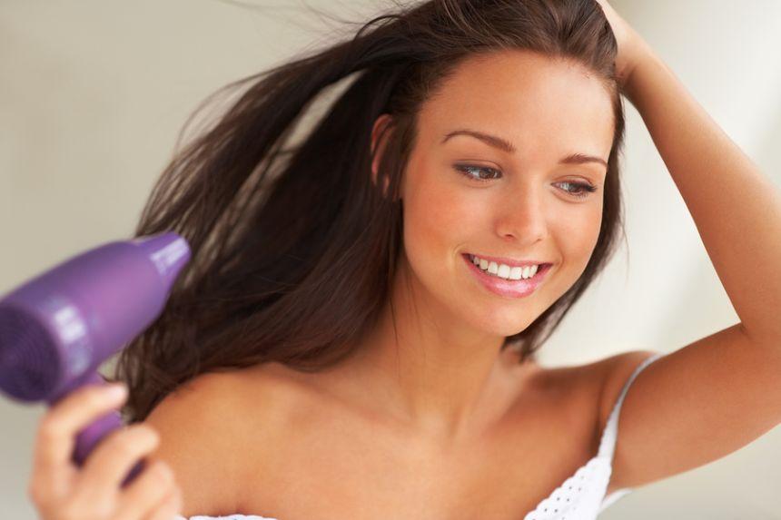 Những sai lầm phổ biến khi sấy tóc