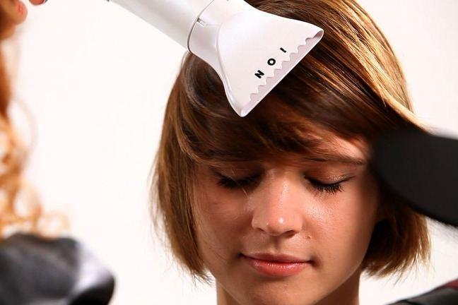Những sai lầm khiến máy sấy làm hại tóc