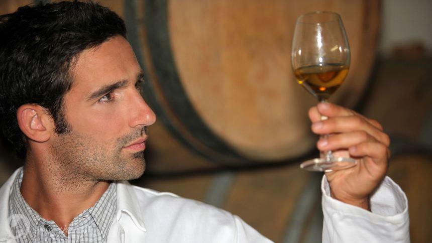 5 sai lầm phổ biến khi uống rượu vang - Ảnh 2