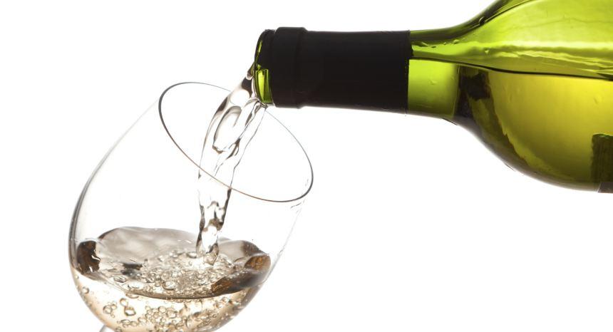 5 sai lầm phổ biến khi uống rượu vang - Ảnh 4