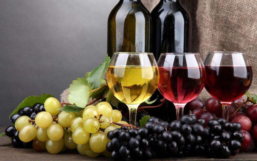 5 sai lầm phổ biến khi uống rượu vang - Ảnh 1