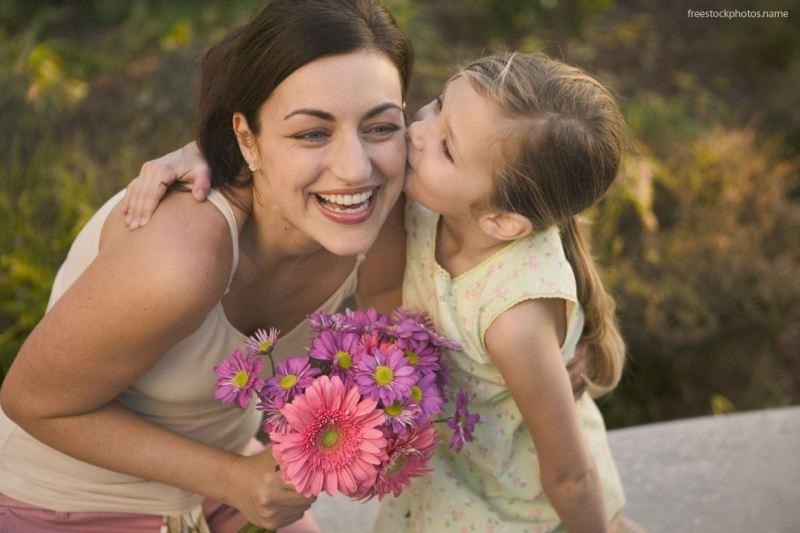 Người mẹ phải làm gì để có quyền nuôi con sau khi ly hôn? - Ảnh 1