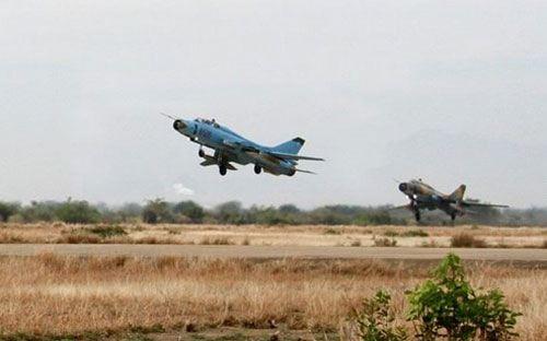 Hai tiêm kích Su-22 rơi gần đảo Phú Quý, phi công nhảy dù xuống biển