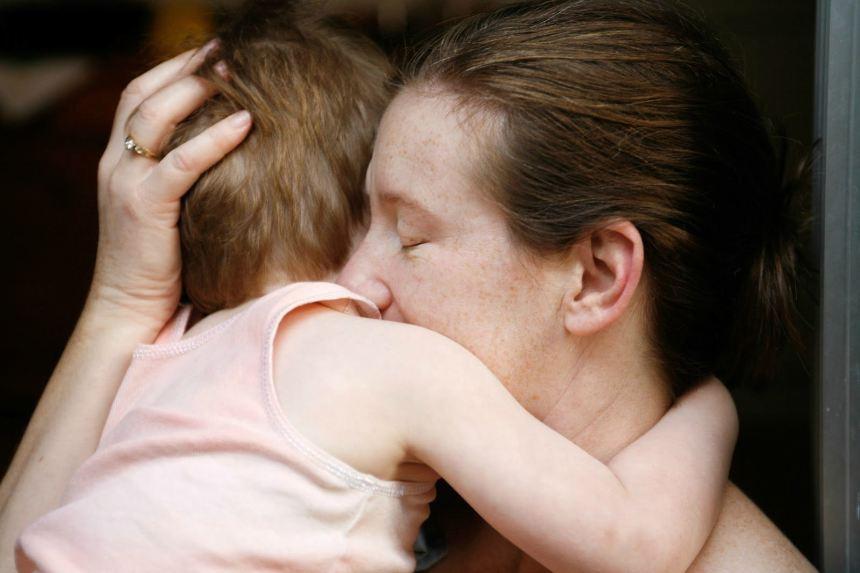 Tâm thư đẫm nước mắt của mẹ đơn thân gửi con gái bé nhỏ