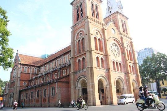Nhà thờ Đức Bà trùng tu sau 140 năm