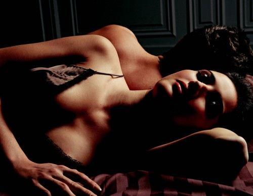 Khiếp đảm hằng đêm khi lên giường với chồng Tây - Ảnh 1