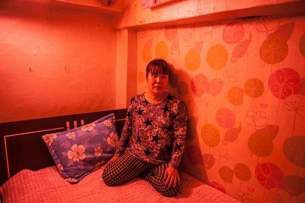 Nỗi niềm của gái bán dâm trong khu đèn đỏ nổi tiếng tại Hàn Quốc