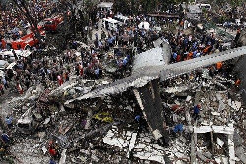 Toàn bộ 113 người trên máy bay C-130 Indonesia đã thiệt mạng