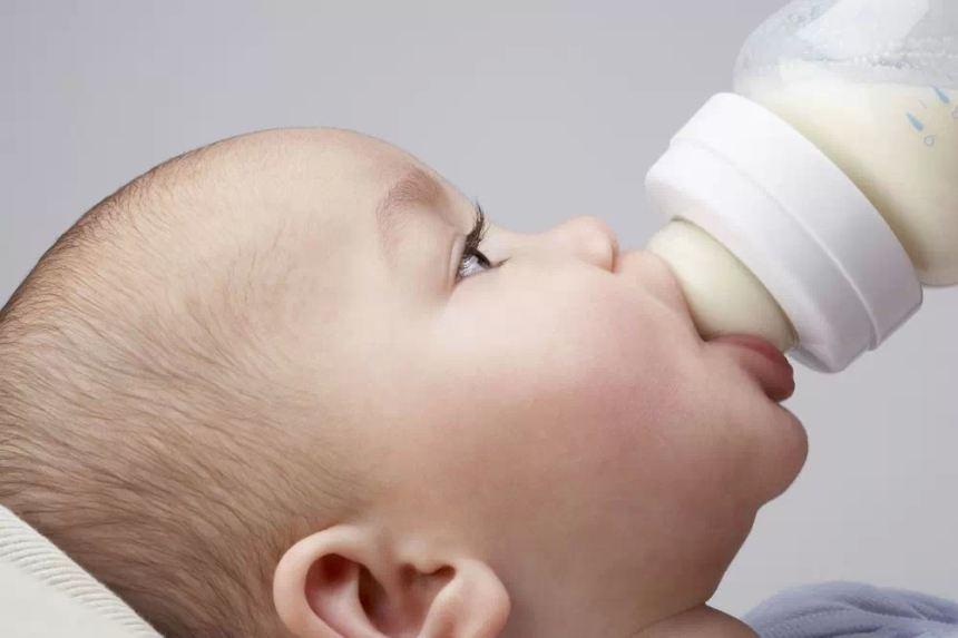 Ba bước vệ sinh bình sữa sạch sẽ – an toàn mẹ nên biết