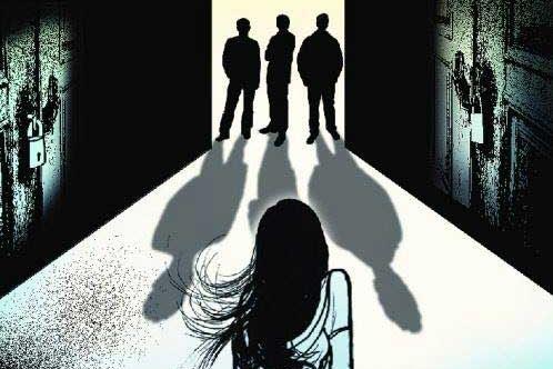Lừa đi hát karaoke, 3 gã trai hiếp hâm tập thể bé gái 14 tuổi