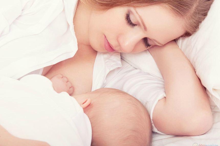 Những sai lầm mẹ thường gặp phải khi cai sữa cho con