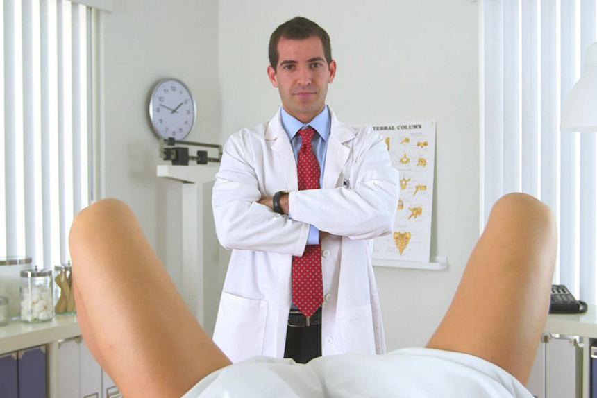"""Ngàn lẻ một chuyện """"sướng"""" khi lấy chồng là bác sĩ... phụ khoa"""