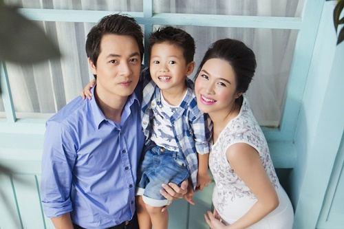Vợ Đăng Khôi sinh con trai thứ hai