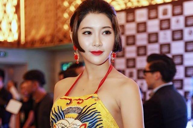 """Nữ diễn viên Việt tham vọng """"vượt mặt"""" Phạm Băng Băng"""