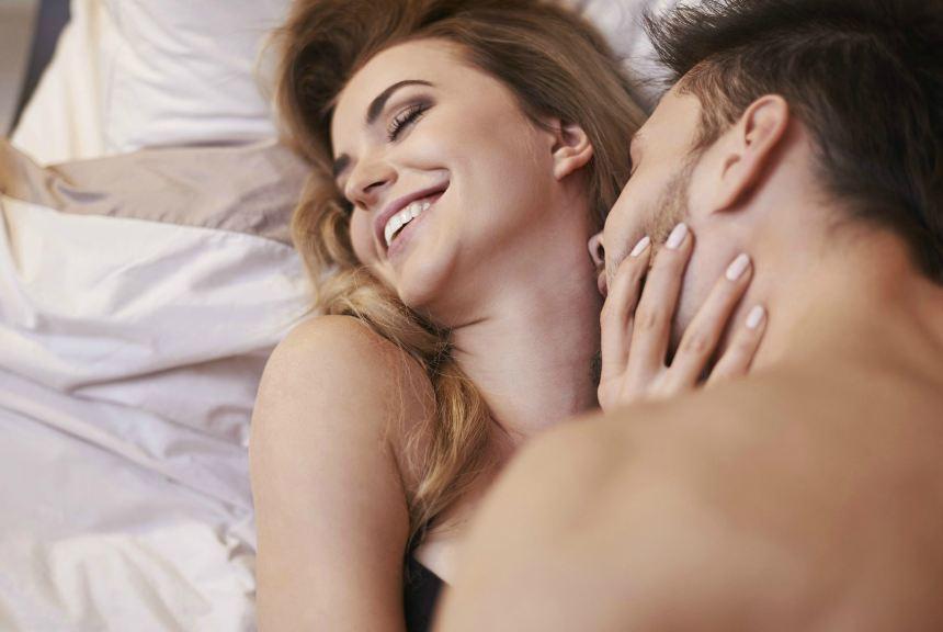 Ngã quỵ khi biết vợ lẳng lơ 'lên giường' với sếp