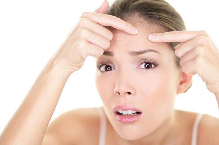 Da đẹp ngỡ ngàng nhờ 6 công thức trị mụn cám siêu tốc