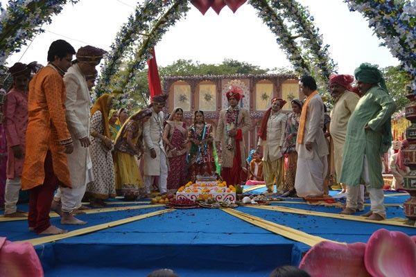 Cận cảnh lễ tái hôn xa hoa của Cô dâu 8 tuổi Anandi