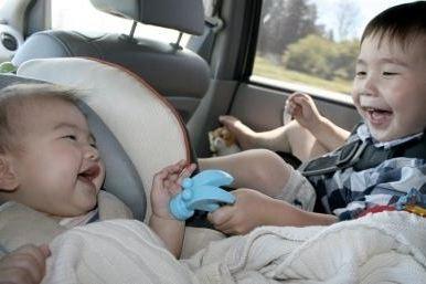 11 mẹo chống say xe cho bé đi ngàn kilomet vẫn 'tươi'