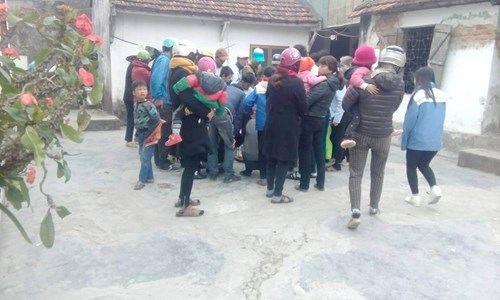 Bắt được ba ba nặng 17,5 kg, người dân kéo đến thả tiền cầu may - Ảnh 3