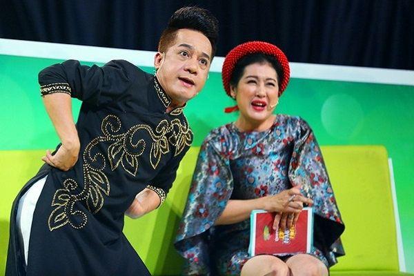 Cười Xuyên Việt – Tiếu Lâm Hội - tập 2: Giám khảo Minh Nhí tặng 1 triệu đồng chia cho 3 đội xuất sắc