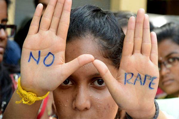 Bé gái 6 tuổi bị thầy giáo cưỡng hiếp vì không làm bài tập