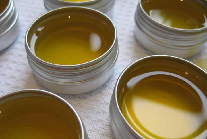 Tự làm son dưỡng trị thâm môi từ dầu dừa chỉ mất 3 phút - Ảnh 3