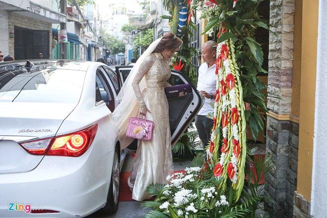 Trực tiếp: Lương Thế Thành - Thúy Diễm hôn nhau ngọt ngào trong ngày cưới - Ảnh 5