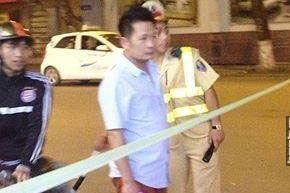 Xôn xao hình ảnh nghi vấn Bằng Kiều gặp rắc rối với công an giao thông ở Hà Nội