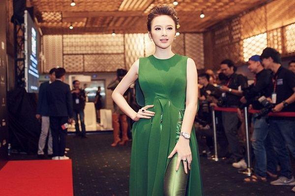 Angela Phương Trinh diện bộ đồ hiệu hơn 1 tỷ đồng
