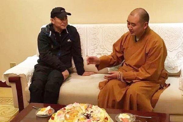 Lý Liên Kiệt đón sinh nhật tuổi 53 ở chùa