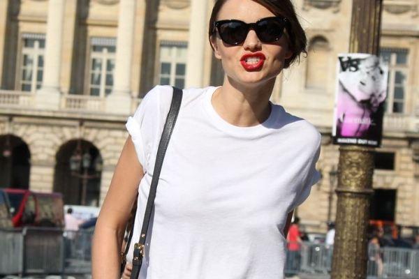 15 kiểu áo thun trắng được bạn gái yêu thích ngày hè