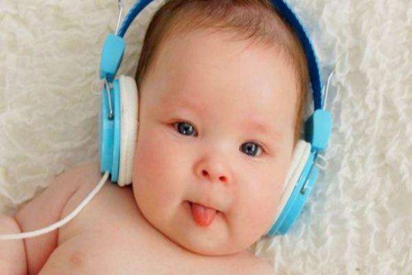 Tiếp xúc với âm nhạc sớm có lợi cho não bộ của trẻ tập nói