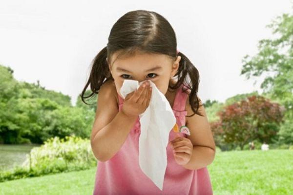 Cảnh giác với nguy cơ mắc các bệnh đường hô hấp khi chuyển mùa