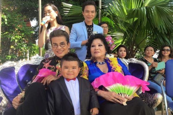 Ku Tin hát trong đám cưới MC Thanh Bạch và bà Thúy Nga