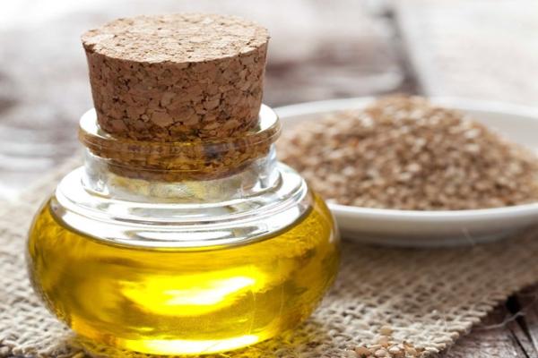 Chuyên gia chỉ cách chữa đau khớp gối bằng chanh và dầu mè