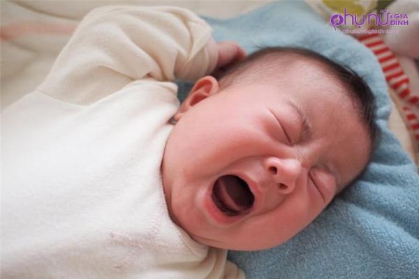 Không còn lo trẻ sơ sinh giật mình khi ngủ chỉ với những mẹo nhỏ này