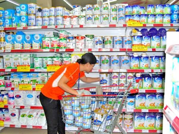 Quảng cáo sữa cho trẻ 1-2 tuổi: Nỗi lo của Bộ Y tế - Ảnh 2