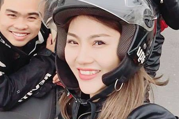 Cô gái đẹp gây sốt giữa 160 mô tô 'khủng' diễu hành tưởng nhớ Trần Lập