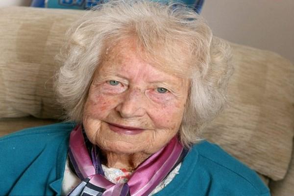 Bí quyết sống lâu của những người 100 tuổi