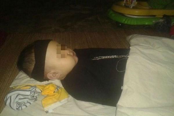 Bé trai 15 tháng tử vong sau khi người mẹ cầu xin bác sĩ cấp cứu bất thành