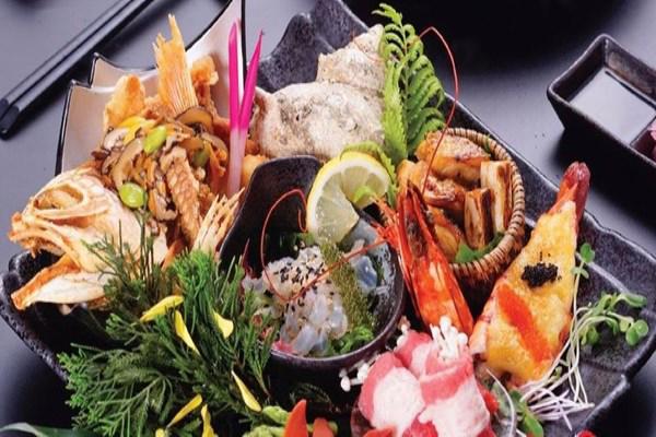 Từ ngày 11/04 - 14/04/2017, Kisu sushi giảm giá đến 50% cho combo Master Đinh Omakase hảo hạng
