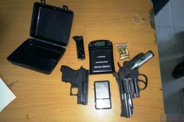 Ngăn dùng ma túy trong phòng trọ, 2 thanh niên bị nã đạn vào người