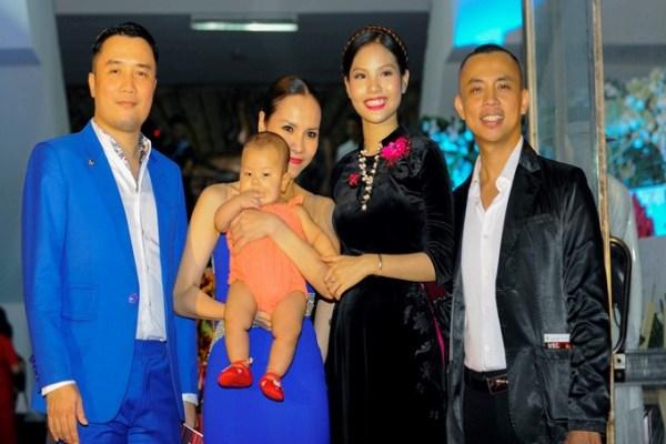 Vợ kém 20 tuổi của Chí Anh bất ngờ kém sắc trong đêm diễn của Khánh Thi, liệu Chí Anh có xấu hổ?