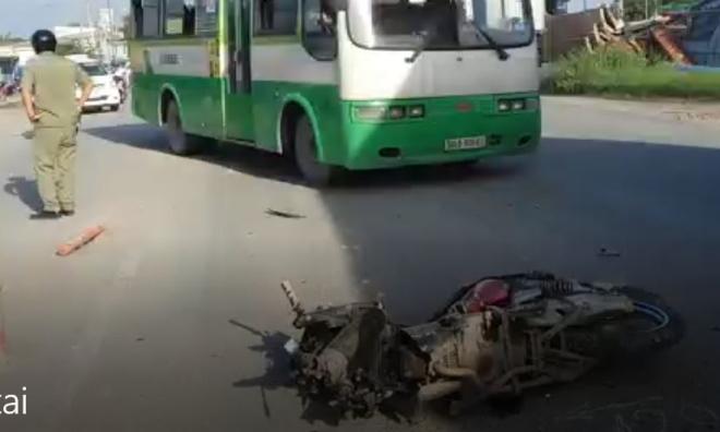 Hàng chục người dân truy đuổi xe ben gây tai nạn chết người